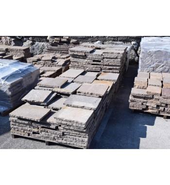 Bodenplatten Porphyr mit behauenen Kanten