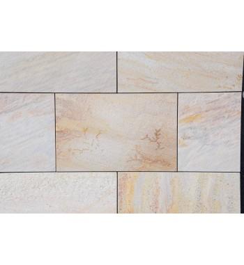 Bodenplatten Quarzit hellgeb mit gesägten Kanten