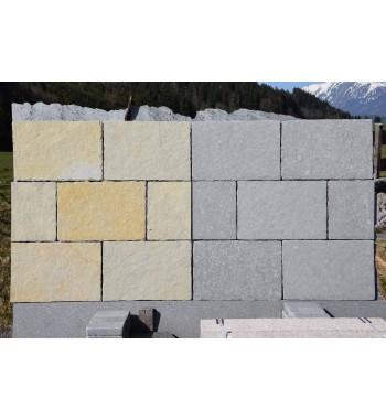 Bodenplatten Tandur beige + blaugrau mit behauenen Kanten 40x60cm