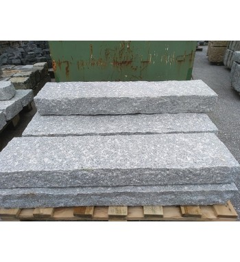 Palisaden Granit grau gespitzt 10x25 cm