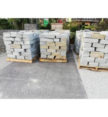 Mauersteine Luserna Gneis
