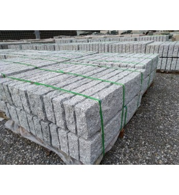 Palisaden Granit grau gespitzt 8 cm